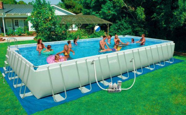 Scegliere la piscina fuori terra o interrata Esempio di piscina fuori terra