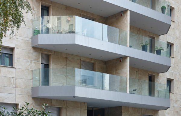 Balaustre in vetro per balconi scale FOTO balaustra Garda di Aluvetro