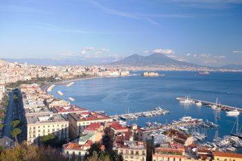 Locazioni brevi e comodato d'uso foto golfo di Napoli