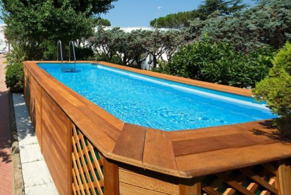 Piscine fuori terra in legno per il tuo giardino casanoi for Piscina montabile