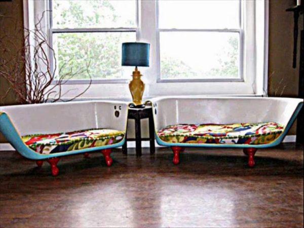 installare pannelli solari un salotto realizzato con materiali di riciclo: 2 mezze vasche come divani