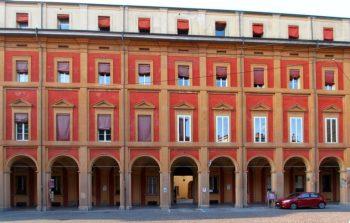 deposito saldo prezzo casa notaio Federico Alcaro FOTO palazzo di Bologna via Saragozza