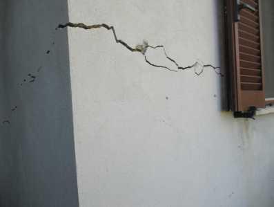 come riconoscere crepe nei muri
