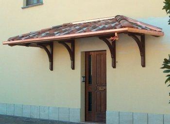 Come scegliere pensilina per ingresso. FOTO: Pensilinaper ingresso in legno Marolux