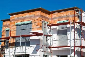 Bonus casa aggiornati 2019: intervento di isolamento a cappotto in edificio (foto tratta da Casa&Clima.com)