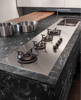 Top in HPL per cucine: Laminato HPL fornelli e lavello di Gentili Group