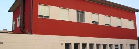 Pittura silossanica sulla facciata di un edificio