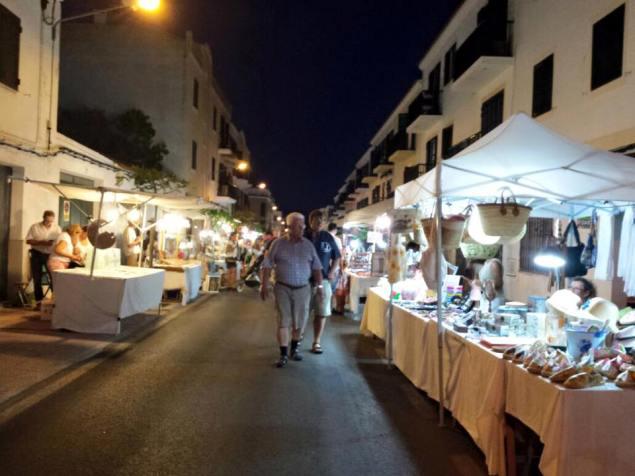 mercado de noche es castell