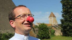 «prêtre» et clown par humour de dieu !!!