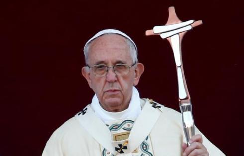 François et sa croix (double tau) de Patriarche de l'église Gnostique Universelle