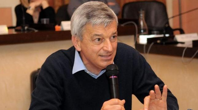 Le professeur Stefano Montanari