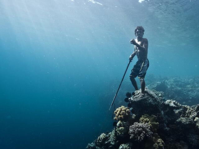 海の遊牧民「バジャウ族」の実態【驚異の潜水能力を持つ漂流民族】