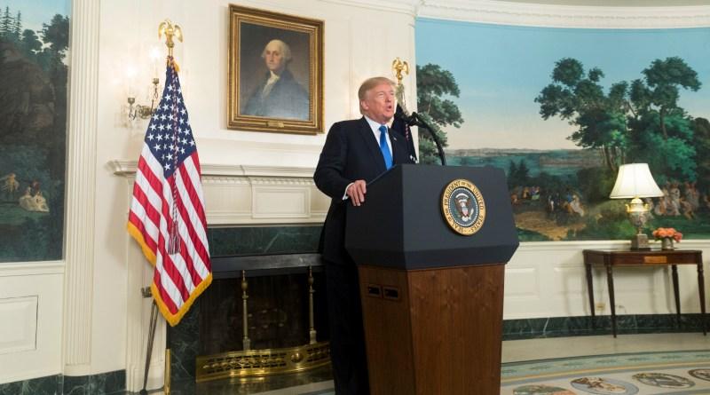"""Reintrodução de sanções """"fragiliza Rouhani e os moderados"""""""