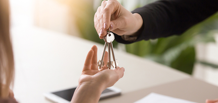 ¿Deberías comprar una casa o un departamento?