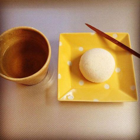 黄色の世界と白の水玉ってトコかな。 #お茶の時間 (Instagram)