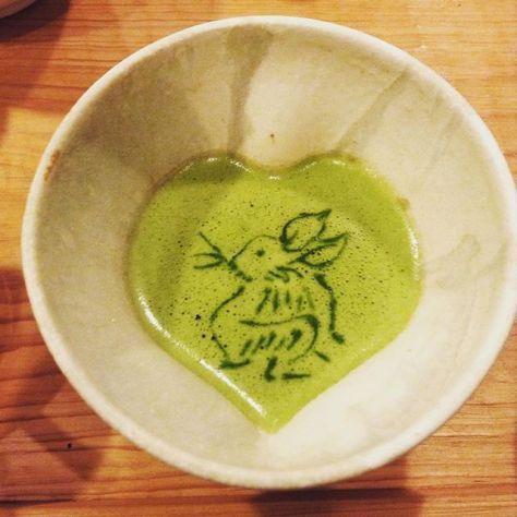 抹茶アート、始めてます! #スナック往来 #谷六 #とことんジャポン! (Instagram)
