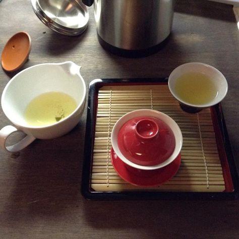 春静包種。 #茶のある風景 #種ノ箱 #露地再生複合施設  #宰 #つかさ (Instagram)