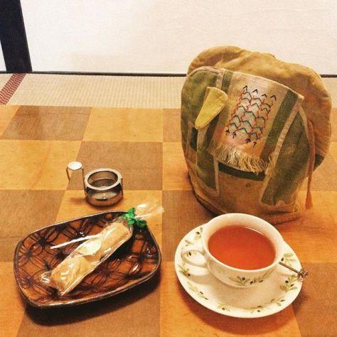 畳の部屋で和紅茶♪ #teatime #種ノ箱 #tukigase #benihikari (Instagram)