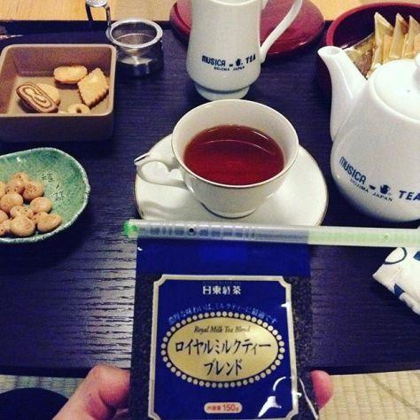 わちゃわちゃした日も、もう少しで終わり。ポット小で、コレで一息。 #種ノ箱 #紅茶 (Instagram)