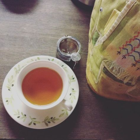 日本の紅茶というよりも、和紅茶という方が雰囲気がやわらかい気がする。言葉が定着したのかなぁ。 #種ノ箱 #国産紅茶 #和紅茶 #べにひかり #月ヶ瀬健康茶園 (Instagram)