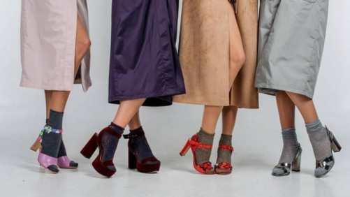 chaussuresonline-claquettes-sandales-femme-tendance-mode-chausettes-bas-jolie-style-nouvellecollection-printemps-ete-soleil