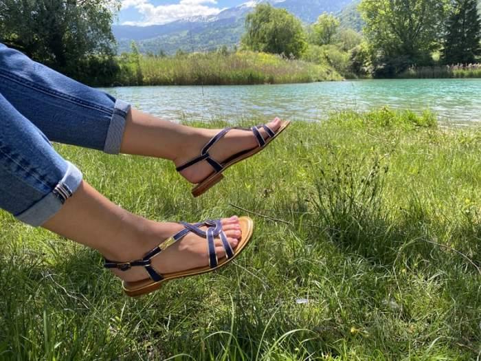 Chaussures les tropéziennes. Modèle HALIA marine. Disponibles sur chaussuresonline.com