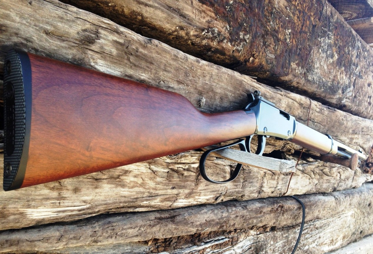 Hernry Small Game rifle profile from butt end of stock