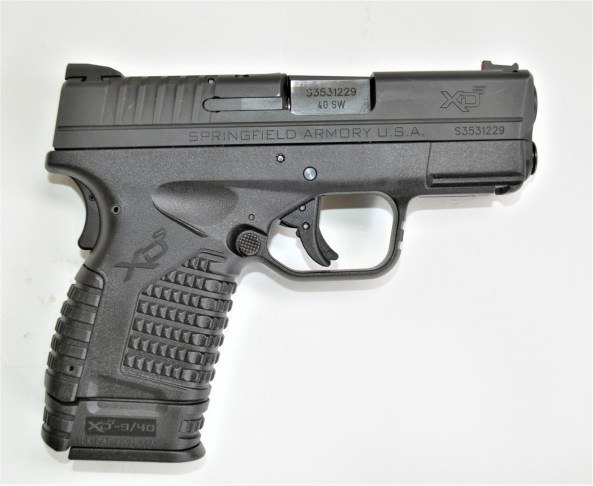 Springfield XDS pistol chambered for the .40 S&W cartridge