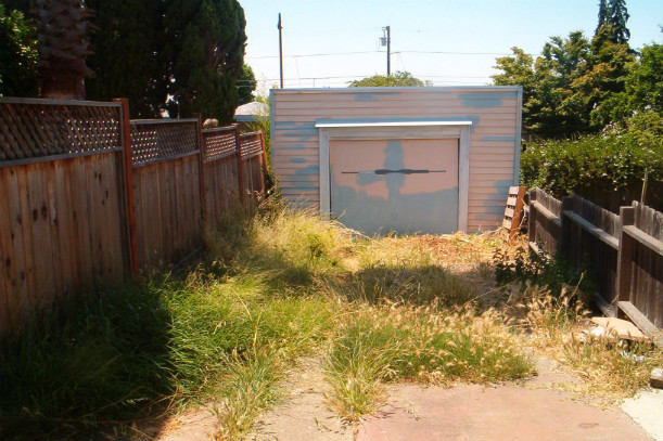 survival shelters - backyard bunker