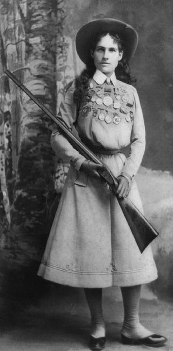 women in firearms - annie oakley