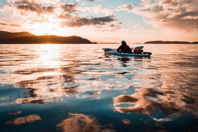 kayak hunting - side view
