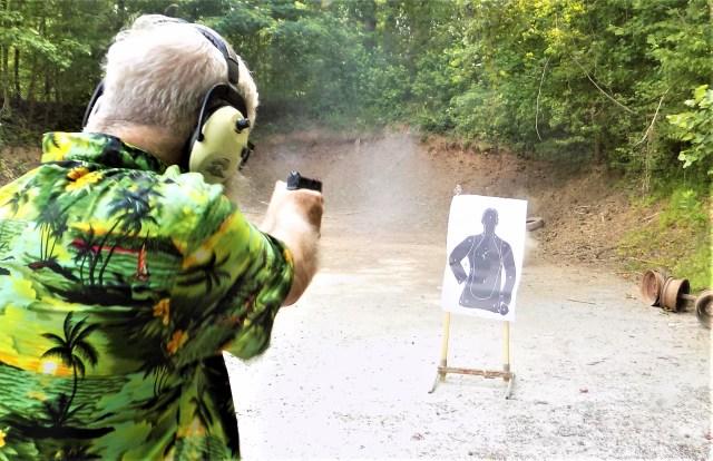 Shooting Springfield Hellcat