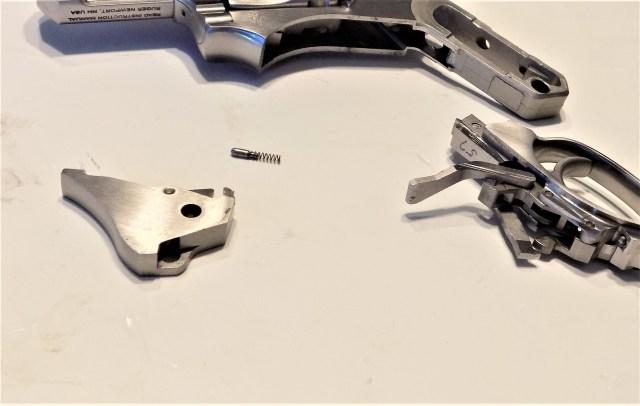 Revolver transfer bar system