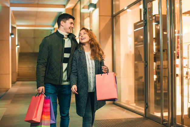 8 Fun Ideas to Spend Weekend Holidays With Your Partner- Go Shopping