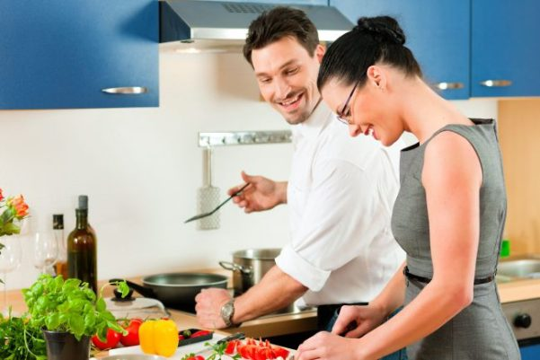 couple-cooking-together