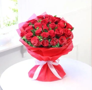 12 Best Flowers to Gift Your Beloved on Valentine's Day- red roses