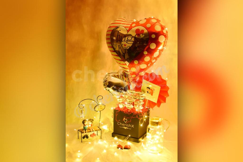 7 Best Hug Day Gifts That Will Make Your Girlfriend Fall In Love With You All Over Again- hugs and kisses bucket