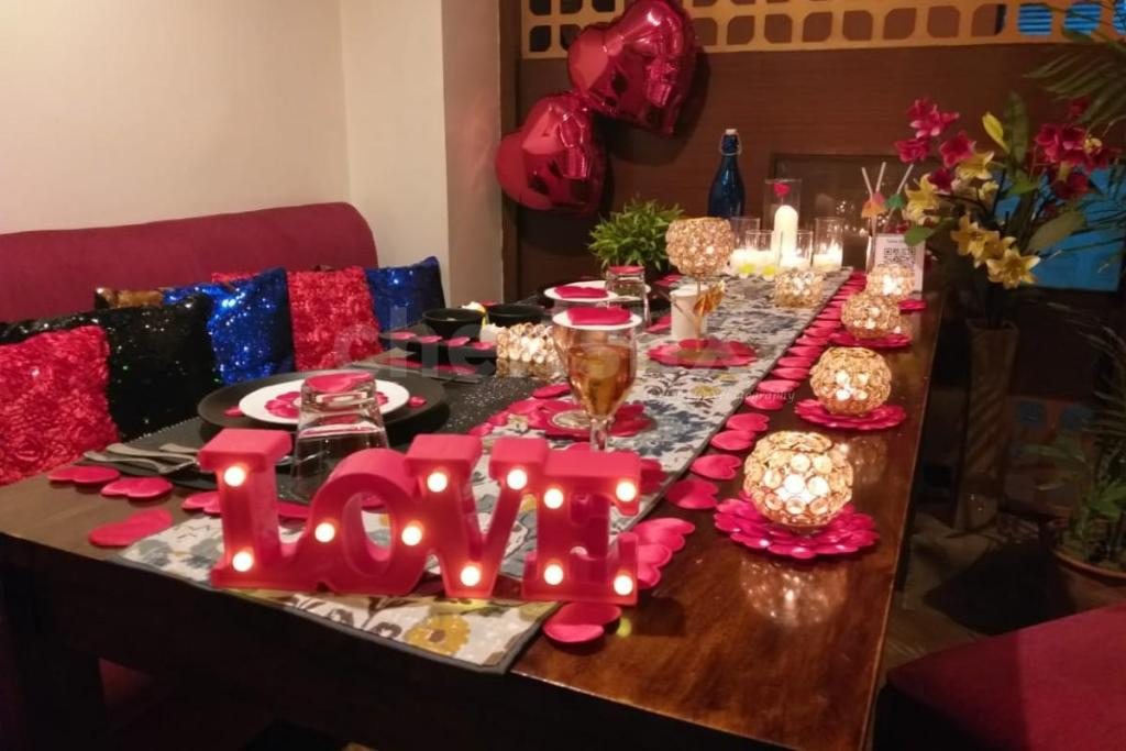 10 Safe Places to go on a Date this Valentine's Day 2021 in Jaipur-topaz hotel
