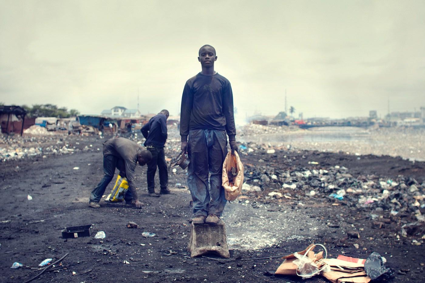 Agbogbloshie_KevinMcElvaney_Accra_e-waste-5