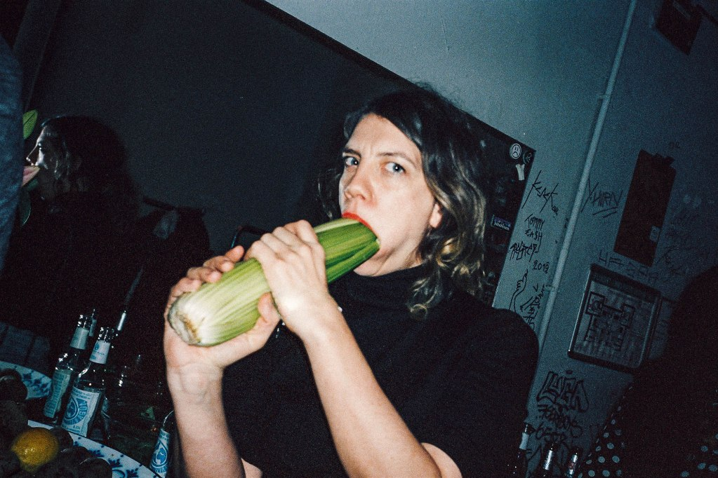 Florian Schueppel 35mm girl eating vegetable
