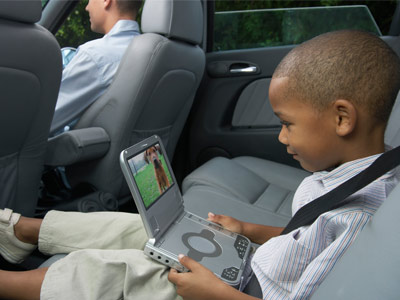portable-dvd-player-vs-car-dvd-player-1