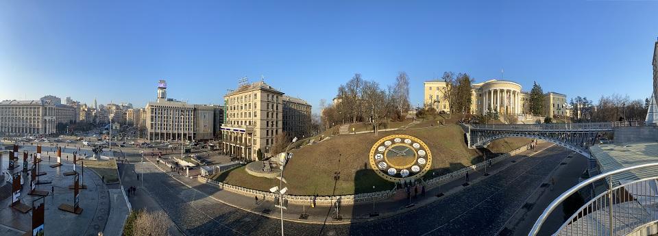 Квітковий годинник, Майдан Незалежності, Київ, Україна