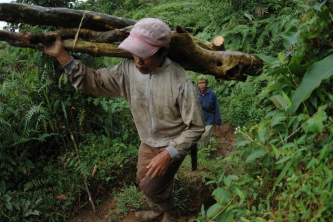 Some communities in Indonesia have clashed with timber concession holders over rights to the same plots of land. Aulia Erlangga/CIFOR
