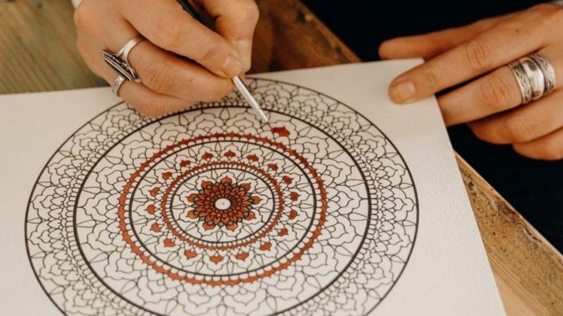 Relájate dibujando mandalas