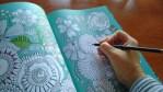 Conoce la nueva terapia antiestrés: libros de colorear para adultos