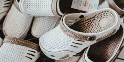 Crocs: la moda del confort