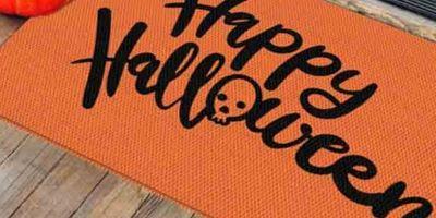 9 divertidos tapetes de Halloween para decorar tu entrada