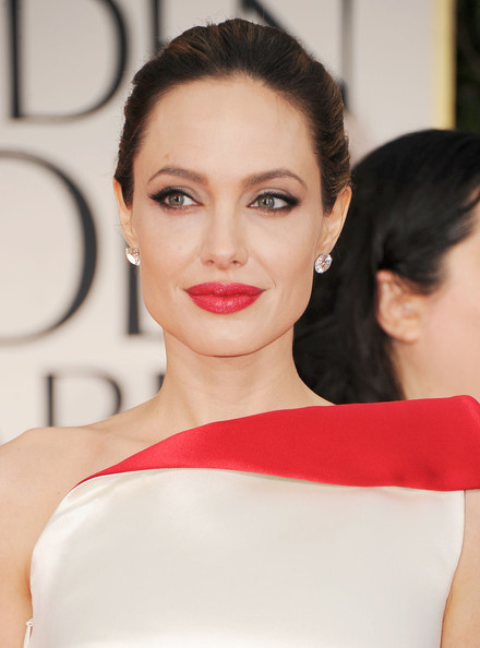 2012-Golden-Globe-Awards-Arrivals-Angelina-Jolie