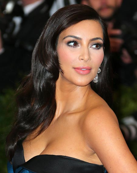 1399358564_kim-kardashian-met-ball-gala-diamonds