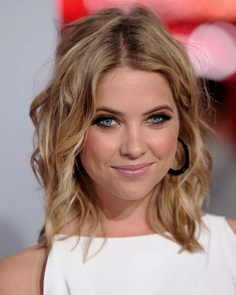 ashley-benson-at-the-peoples-choice-awards-makeup-tutorial